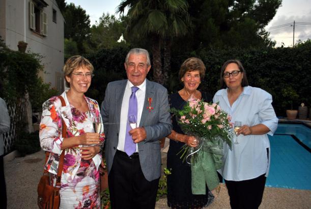 Die evangelische Pfarrerin Heike Stijohann, Ehrengast Günter Stalter, seine Frau Gabriele Stalter und Konsulin Sabine Lammers be