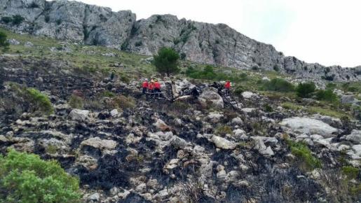 Das Wrack des Flugzeuges fanden Einsatzkräfte am Fuß des Puig de Massenalla.