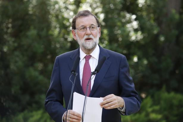 Spaniens Regierungschef Rajoy forderte den katalanischen Ministerpräsidenten Puigdemont erneut auf, zur Legalität zurückzukehren