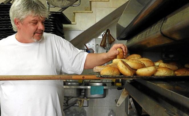 Der Österreicher Thomas Grasberger hat kürzlich im Santa-Catalina-Viertel eine Bäckerei eröffnet. Verkaufsschlager sind seine Br