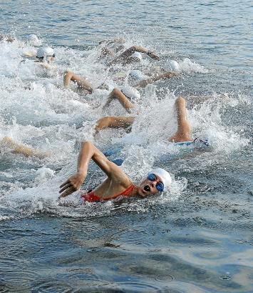 Ab ins Wasser! So sah der Challenge-Start in Peguera im vergangenen Jahr aus.
