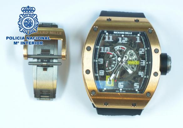 Die Polizei hat eine Uhr im Wert von 130.000 Euro sichergestellt.