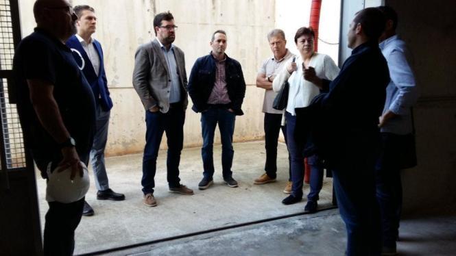 Palmas Bürgermeister Antoni Noguera (3.v.l.) mit Architekten und Technikern.
