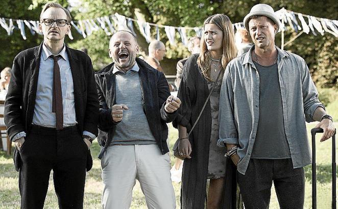 Szene aus dem neuen Schweiger-Film. Von links: Milan Peschel, Samuel Finzi, Lili Schweiger und Til Schweiger.