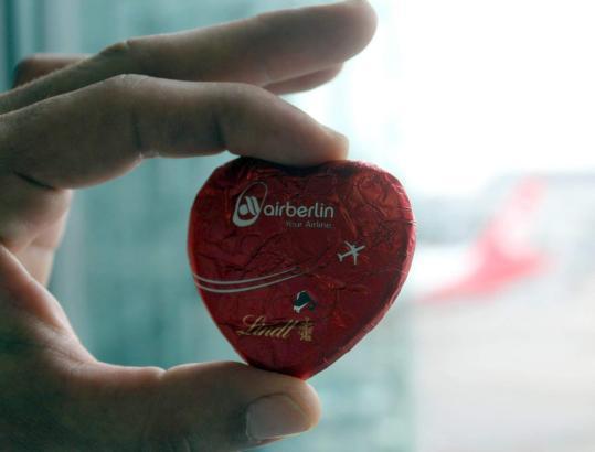Was bleibt, ist die Erinnerung. Auch an das Schokoladenherz von Air Berlin.