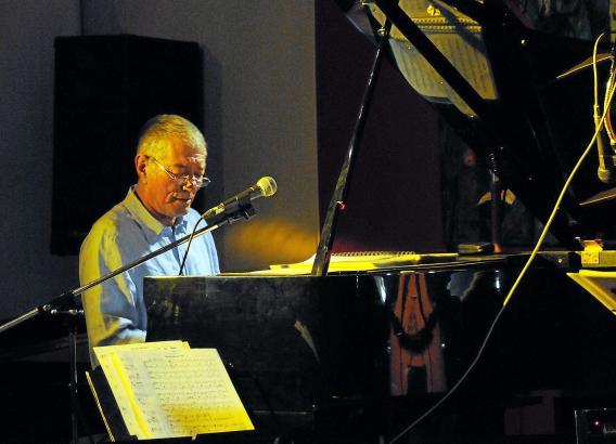 Jahrzehnte hat Manfred Kullmann maßgeblich die Jazzszene in Deutschland mitgeprägt.