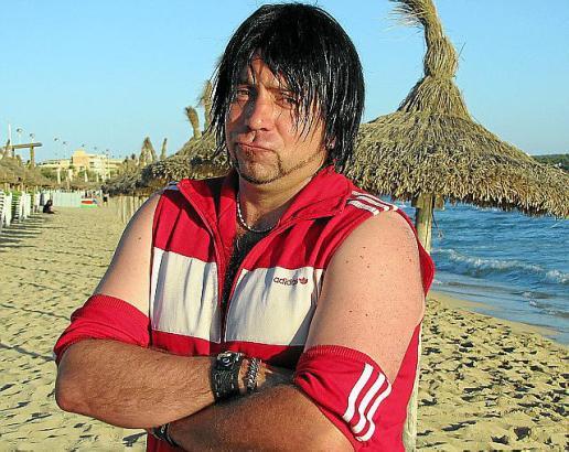 Ikke Hüftgold gilt als kreativer Partymusiker und ist bekannt für eigenwillige Auftritte.