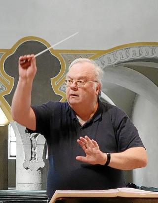 Kirchenmusikdirektor Michael Grill leitet seit 2008 die Schwabinger Kantorei, mit der er nach Mallorca kommt.