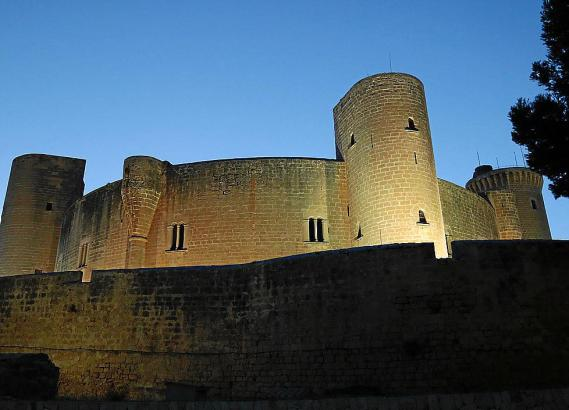 Palmas Wahrzeichen: das Schloss Bellver.