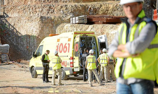 Ein Bauarbeiter ist am Montag in Port d'Andratx verletzt worden.