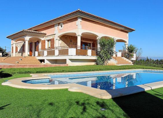 Das Symbolfoto zeigt eine Immobilie, wie sie im ländlichen Raum auf Mallorca für Ferienvermietungen gefragt sind.