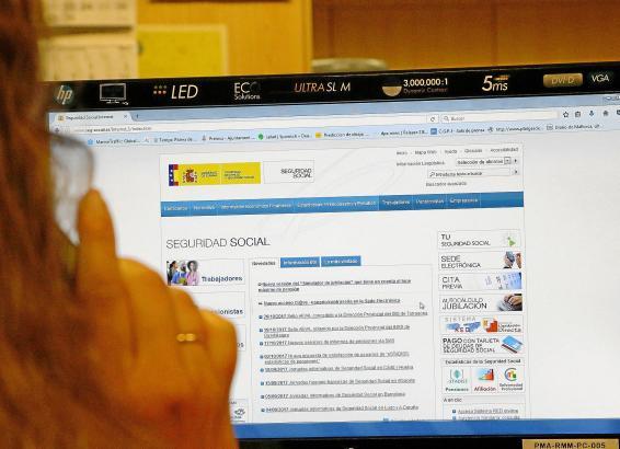 Telefonisch und auf der Webseite kann man sich über das Angebot der Seguridad Social informieren.