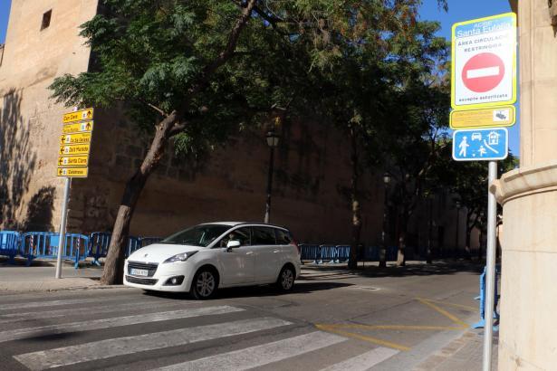 In Palma gibt es bereits zufahrtsbeschränkte Straßen, wie hier rund um die Plaça Sant Francesc.