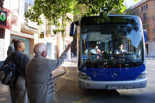 An den verkaufsoffenen Sonntagen sollen alle Busse auf der Straße sein.