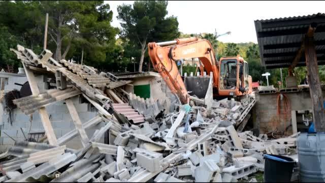 Kein Abriss illegaler Häuser sondern ein Unfall.
