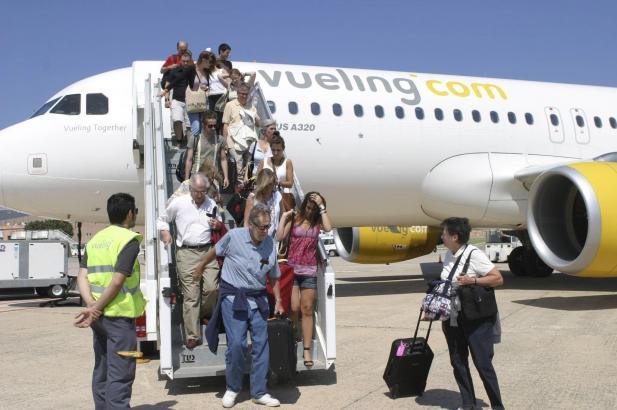 Viele Urlauber und andere Mallorca-Besucher werden künftig mit Vueling auf der Insel landen.