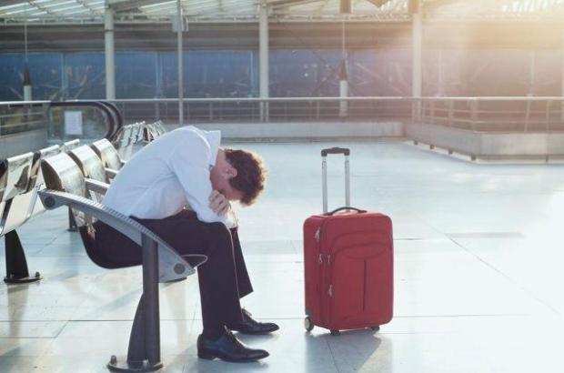 Wenn der Flug verspätet ist, dann kann das ziemlich nervenaufreibend sein ...