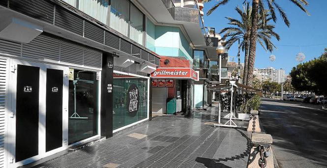 Die Bürgersteige auf dem Paseo Marítimo in Palma sollen verbreitert werden, damit Fußgänger mehr Freiraum erhalten.
