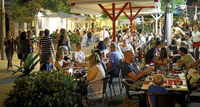 Vor allem in der Calle Fábrica in Santa Catalina beschweren sich im Sommer immer wieder Anwohner über den Terrassenlärm.