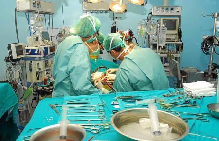 In den Krankenhäusern auf Mallorca werden selbstverständlich auch komplizierte Operationen durchgeführt.