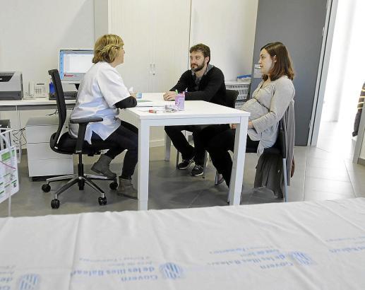 Der Hausarzt stellt in Spanien Überweisungen, Rezepte und Arbeitsunfähigkeitsbescheinigungen aus