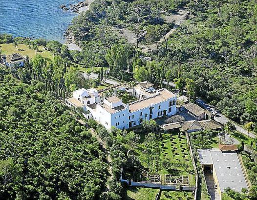 Das Museum Sa Bassa Blanca mit seinem Stiftungshaus im maurischen Stil liegt außerhalb von Alcúdia inmitten der Natur.