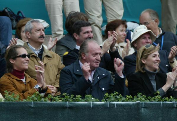 Als Spanien 2004 in Palmas Stierkampfarena im Davis Cup gegen die Niederlande spielte, fieberten auch König Juan Carlos sowie de