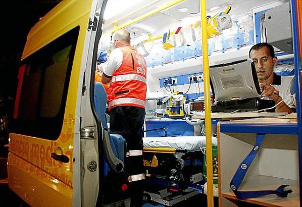 Mit einem Krankenwagen ging es direkt ins Krankenhaus Son Llátzer.