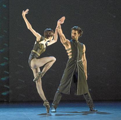 Protagonisten auf der Bühne: Josué Ullate in den Fußstapfen seines Vaters Víctor. Lucia Lacarra tritt als Gastsolistin auf.