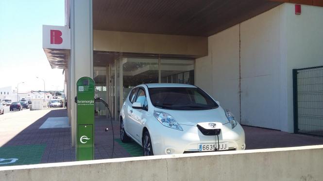 Noch sind sie Einzelgänger, aber die Zukunft soll nach dem Willen der Balearen-Regierung den Elektroautos gehören.