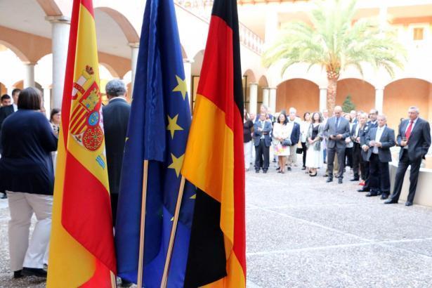Deutsche Residenten auf Mallorca bei einer Veranstaltung des Konsulats der Bundesrepublik in Palma.