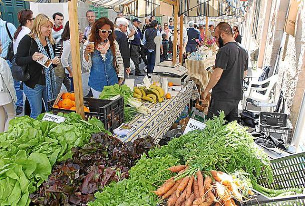 Biogemüse auf einem Markt in Porreres.