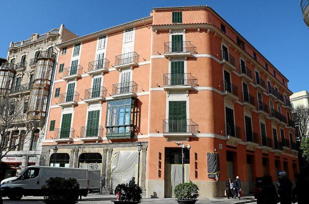 Das Hotel Mamá befindet sich direkt an der Plaça Cort in Palma.