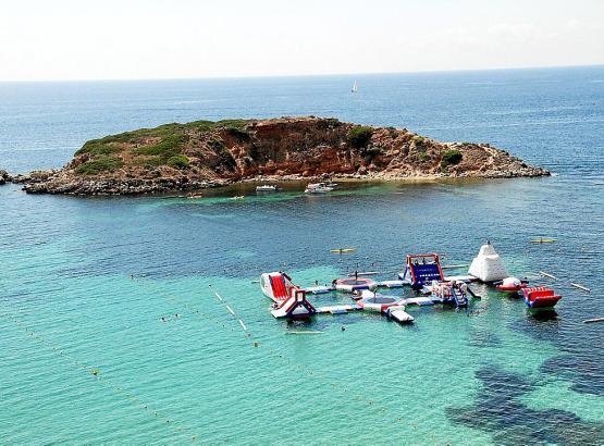 Wasserpark vor Portals Nous auf Mallorca im Sommer 2015.