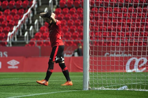 Ratlosigkeit bei Real Mallorca. Nach dem 0:1 fand man keinen Weg, gegen Ebro einzunetzen.