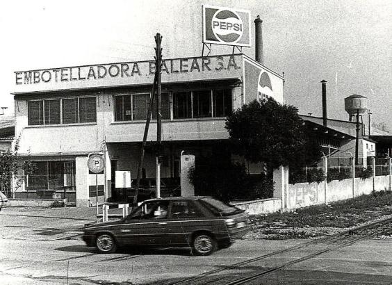 In den 1990er Jahren übernahm Pepsi die Abfüllanlage.