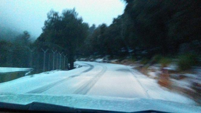Die Straßen in der Tramuntana sind weiß gepudert.