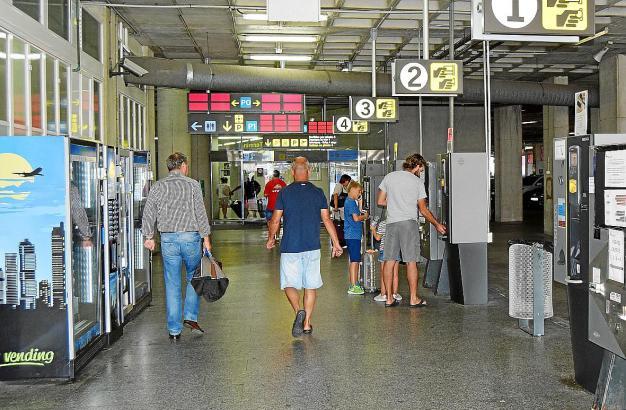 Ziel ist, dass sich eines Tages in allen Getränkeautomaten an Flughäfen 0,5-Liter-Wasserflaschen zum Preis von einem Euro befind