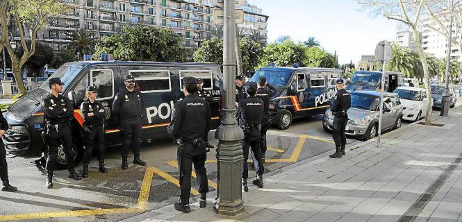 In der Osterwoche ist mit mehr Polizeipräsenz auf Mallorca zu rechnen.