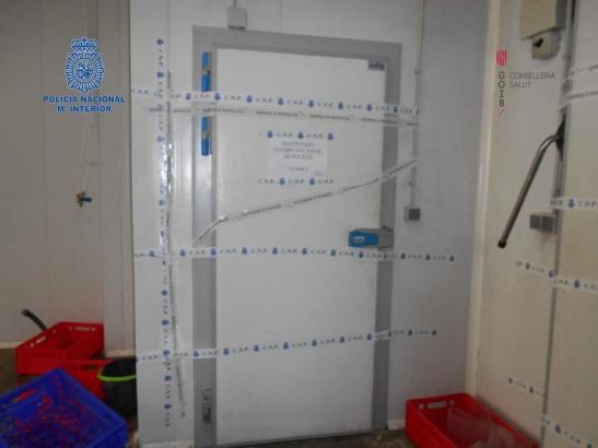 Das Kühlhaus in dem Fleischgroßhandel wurde von der Polizei versiegelt.