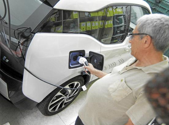 """Das E-Auto auf Mallorca zu """"befüllen"""" ist gar nicht so schwer. Einen Überblick über sämtliche Ladestationen der Insel gibt die I"""