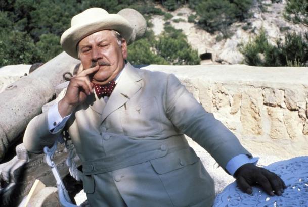 Peter Ustinov spielt auf Mallorca Hercule Poirot.