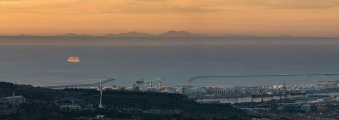 Mallorca-Panorama am Dienstag von Barcelona aus gesehen.