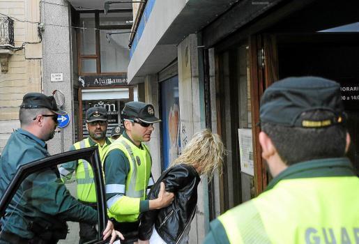 Anais M. B. wird festgenommen.