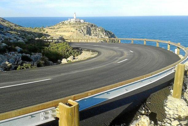 Die Serpentinenstrecke an der Nordspitze Mallorcas gilt im Sommer als Engpass.
