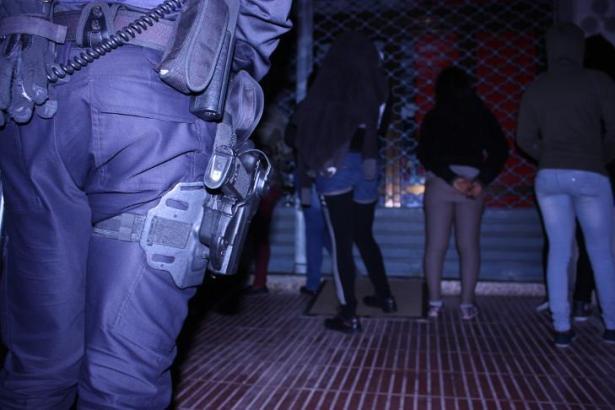 Das Archivfoto zeigt einen Polizeieinsatz gegen Straßenprostitution in Palma.