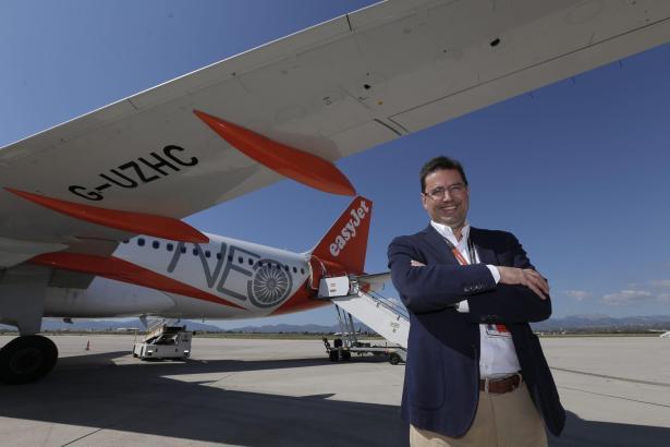 Easyjet-Spanien-Chef Javier Gándara bei der Präsentation des Airbus A 320 Neo auf dem Flughafen von Palma.
