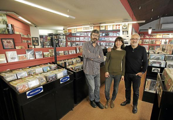 Ladeninhaber Miquel Angel Sancho (r.) mit Geschäftspartner Antoni Vives und Tochter Ana Sancho.