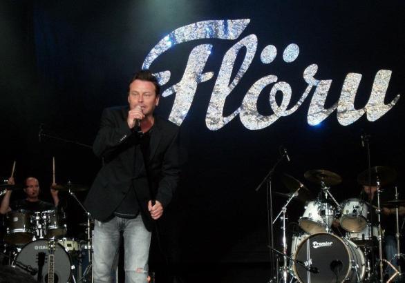 In der Schweiz ist Florian Ast auf den ganz großen Bühnen zu Hause.