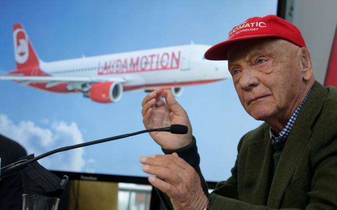 Niki Lauda bleibt mindestens drei Jahre lang an der Spitze seines Mallorca-Fliegers.